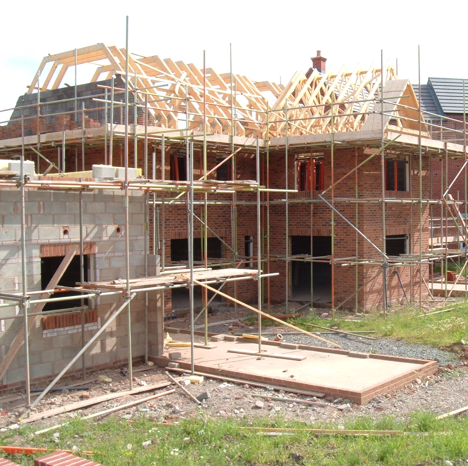Private sector drives growth across uk building sector for Building a new home