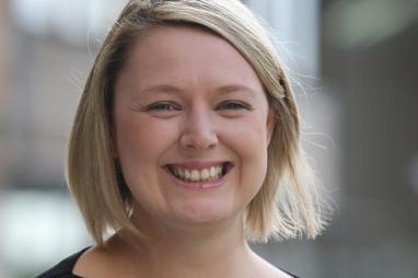Dr Amanda Crompton