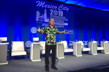 Stephen Brobst, chief technology officer of Teradata Corporation, speaking at the FIDIC conference in Mexico City.