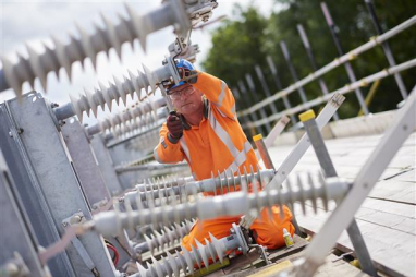 East Coast main line increases power supply with £216.2m contract.