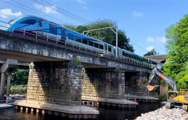 Eden viaduct, with Transpennine Express passing over the top.