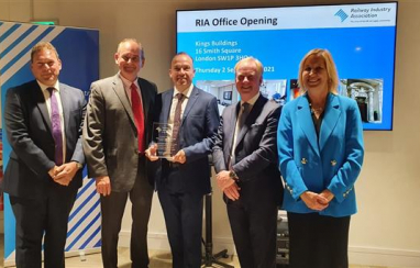 L-r: RIA chief executive Darren Caplan, RIA chairman David Tonkin, rail minister Chris Heaton-Harris, HS2 chief executive Mark Thurston and HS1 chief executive Dyan Crowther celebrate the opening of the RIA's new London offices.