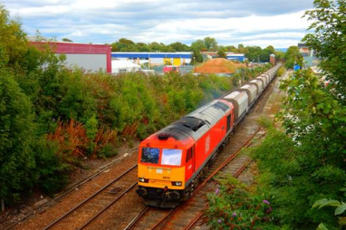 Tarmac and DB Cargo UK's delivery of construction materials on key route will be powered entirely by 100% renewable fuel.