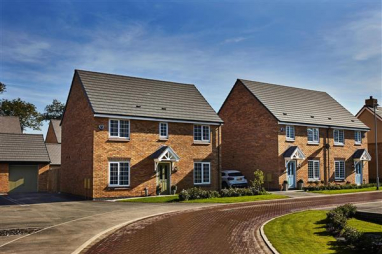 Taylor Wimpey reports record first half-year performance and predicts £820m full-year profit for 2021.