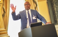 BST Global's Darryl Williams speaking at the knowledge management forum.